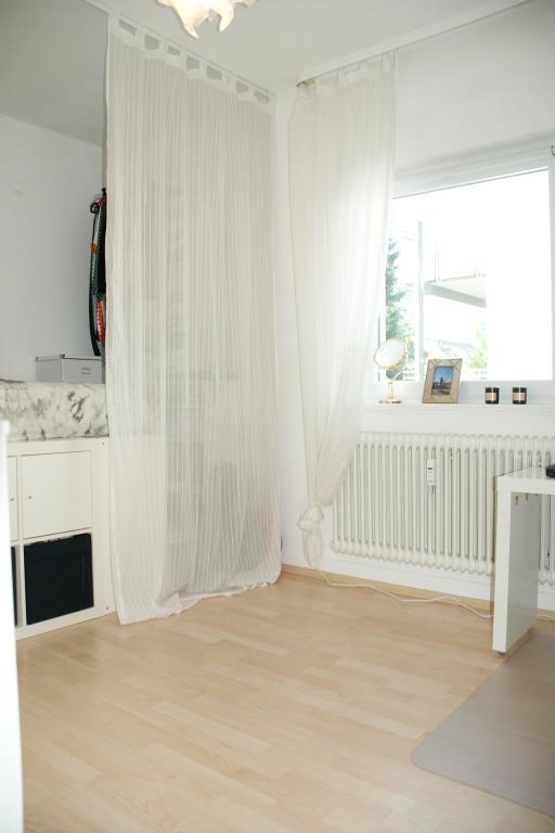 helle und hohe r ume wg geeignete 3 zimmer wohnung im reutlinger ringelbachgebiet 4996 aus. Black Bedroom Furniture Sets. Home Design Ideas