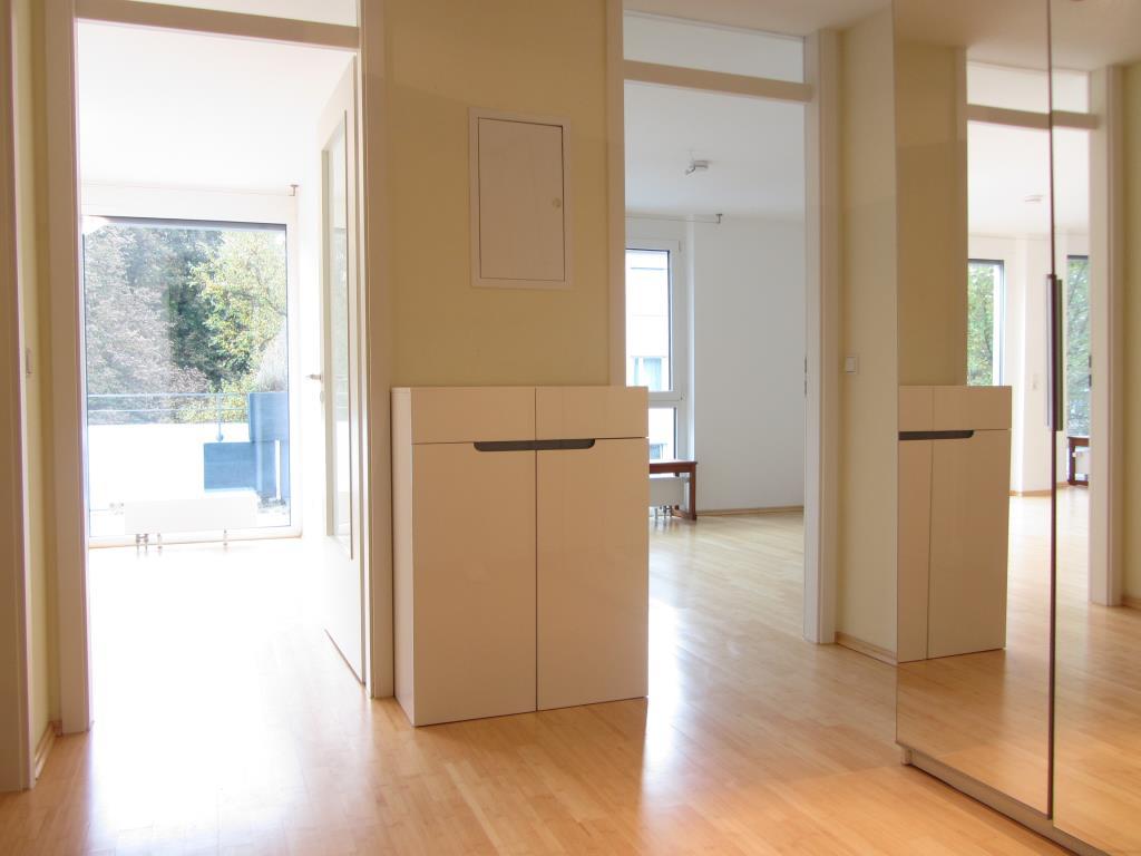 sonnenverw hnte 2 zimmer wohnung mit balkon und tg stellplatz in t bingen t 3685 aus t bingen. Black Bedroom Furniture Sets. Home Design Ideas