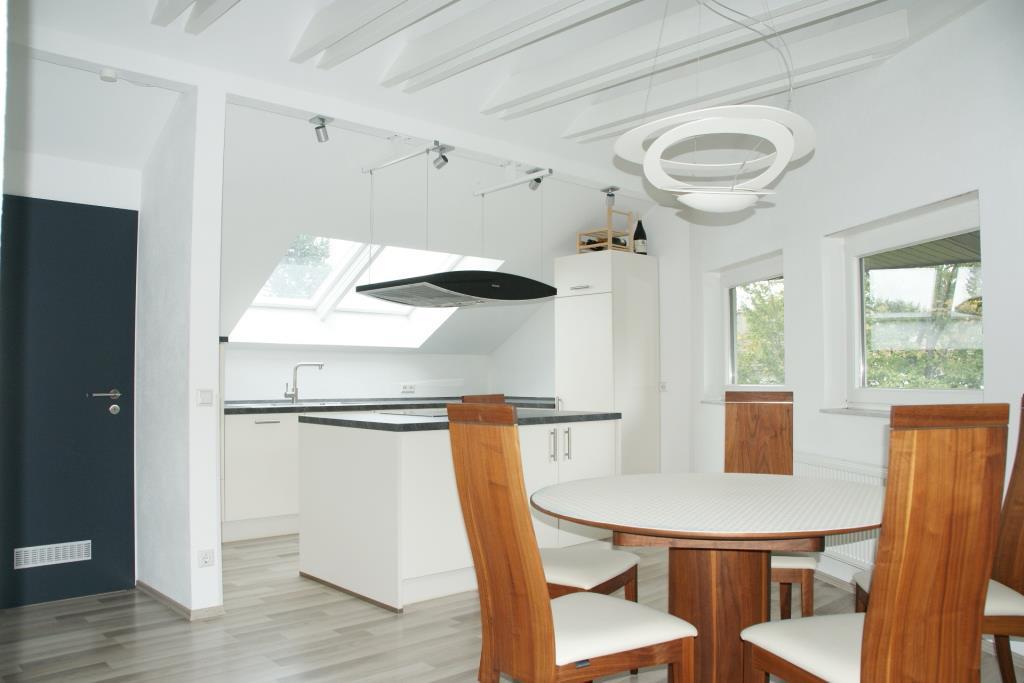 besondere 3 zimmer dachgeschosswohnung mit flair in reutlingen nahe markwasen 5042 aus. Black Bedroom Furniture Sets. Home Design Ideas